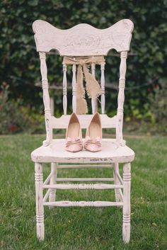 Photo by Alyica Creative | Set Design by Your Vintage Affair Wedding & Event Rentals | Coordination by Blissful 2 Be #pink #wedding #shoes #juleechic