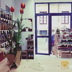 Oak è #primavera <3 #erboristeria #catania #tulipani