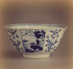 this is the bowl we used in the photo of the still life reproduction. It's a very nice blue and white kraak bowl. Decorated with a landscape and pictures. #kraakporcelain #porcelain #antique #antiques #orientaldecor #blueandwhiteforever #blueandwhite #blueandwhitechina #blueandwhiteporcelain #blueandwhites #blueandwhites #chineseblueandwhite #ChinesePottery #chineseceramics #明朝 #chineseantiques #Antiquefinds #Antiquedecor #antique_r_us #antiquity #collectibles #antiquecollector #artand..