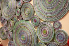 recycled magazine paper, so cool! Recycled Art Projects, Diy Art Projects, Craft Tutorials, Paper Jewelry, Paper Beads, Fun Crafts, Arts And Crafts, Recycled Magazines, Magazine Crafts