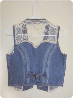 My fashion diary & diy: diy: lace denim vest Diy Jeans, Denim And Lace, Vintage Denim, Chaleco Casual, How To Wear A Blanket Scarf, Denim Vests, Estilo Jeans, Embroidered Denim Jacket, Denim Ideas