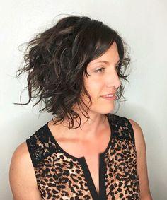 60 Most Delightful Short Wavy Hairstyles Messy+Curly+Bob Cute Short Curly Hairstyles, Messy Curly Hair, Curly Hair Styles, Haircuts For Curly Hair, Short Wavy Hair, Curly Hair Cuts, Down Hairstyles, Curly Bob, Messy Bob
