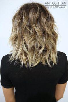 Coiffures moyennes amusantes et flatteuses pour les cheveux épais, les femmes Longueur des épaules Haircut