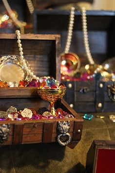 """Tribesmaid Sandy wanted guests to """"treasure"""" her wedding and the awesome times they'll have there… so she's making treasure chest centerpieces for the tables! This project…"""