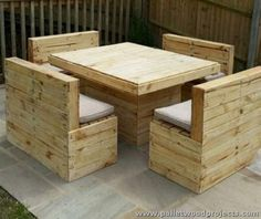 Pallet Couch And Table This Simple Pallet Couch And Table Project
