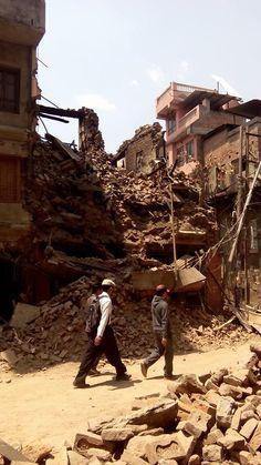 Técnicos de #CIDEN desplazados a #Nepal han iniciado en #Katmandú la labor de prospección y evaluación de los daños sufridos en el país a raíz del #terremoto ocurrido el pasado sábado 25.