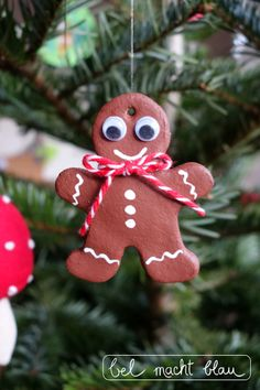 Gingerbread man with loose eyes bel turns blue - Christmas tree pendant: Gingerbread man made from salt dough // Christmas decoration // Christmas d - Christmas Scents, Diy Christmas Gifts, Simple Christmas, Winter Christmas, Christmas Time, Christmas Ornaments, Blue Christmas, Salt Dough Christmas Decorations, Dollar Tree Decor