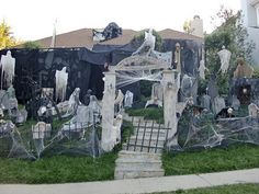 DIY ghost yard < OMG!!!! Only if he would me.....sigh>