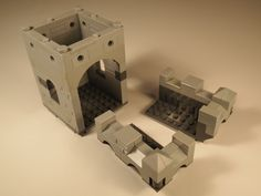 Lego Modular Castle. Now you see a room module and two half battlement modules that can be placed on top of any room, bridge or balcony module.