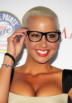 0954a325a37 15 Best beautiful old women with big glasses images