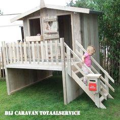 speelhuisje met veranda