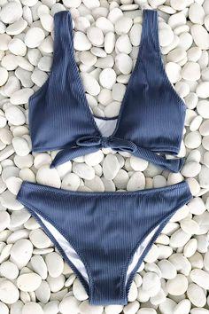 Trendy Beachwear for the Summer Cupshe Deep Love Solid Bikini Set Cute Swimsuits, Cute Bikinis, Women Swimsuits, Fashion Swimsuits, Bikini Fashion, Vintage Swimsuits, Blue Bikini Set, Bikini Sets, Bikini Bandeau