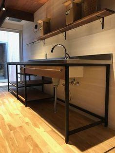 Industrial Design Furniture, Freestanding Kitchen, Kitchen Construction, Kitchen Backsplash Designs, Kitchen Design, Diy Kitchen Storage, Loft Kitchen, Home Decor, Industrial Style Kitchen