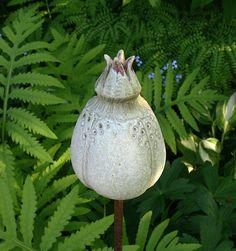 Pflanzen- & Gartenstecker - Gartenschmuckstück SAMENKAPSEL JuniStrand - ein Designerstück von Brigitte_Peglow bei DaWanda