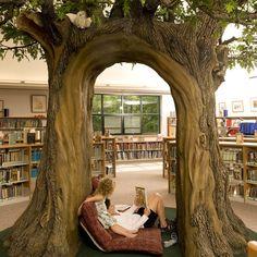 Wallingford Library. Wallingford, CT