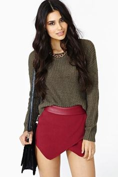 Courted Skort in Wine