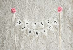 Just Married Wedding Cake Topper Banner, wedding vintage cake toppers, rustic wedding decor, rustic cake topper, Rustic Cake Banner by FriendlyEvents on Etsy https://www.etsy.com/au/listing/240579280/just-married-wedding-cake-topper-banner