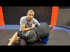 https://www.youtube.com/watch?v=q8SKlCdDrb8 Watch our Special FREE Tutorials at http://www.mmaleech.com/free-stuff/ Go to our Facebook page for the latest trends in BJJ and MMA. https://www.facebook.com/mmaleech. Professor Gustavo gasperin shows how to properly defend the Kimura fom Half-Guard... Jitseasy