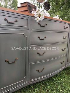 Weathervane, Peppercorn, and Weathervane make for a stunning finish on this buffet painted by Sawdust and Lace Decor! www.wiseowlpaint.com #wiseowlpaint #painted #furniture #buffet #gray #brown #weathervane #blended