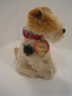 SIT PRETTY : Foxy Fox Terrier by Steif