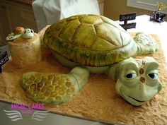 Crush and Squirt from Finding Nemo Sea Turtle cake from #AngelcakesBakery Phoenix AZ