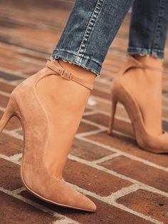 Solid Color Buckle Bandage Pointed Toe Heels