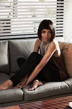 When Bones star Tamara Taylor stopped by the office, we were struck by her rocking bod...and the fun, sneaky ways she got there! We had Taylor spill on her why-didnt-I-think-of-that-tips that are so easy, youll start them tomorrow....