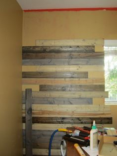 Create a faux wood pallet wall - Wendy James Designs Reclaimed Wood Paneling, Wood Plank Walls, Wood Planks, Wooden Walls, Wood Pallets, Barn Wood, Pallet Wood, Faux Wood Wall, Pallet Beds