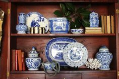 design indulgence, blue and white, my new obsession! White Dishes, White Plates, Blue Plates, Blue Dishes, Houses Architecture, Futuristic Architecture, Interior Exterior, Interior Design, Bookshelf Styling