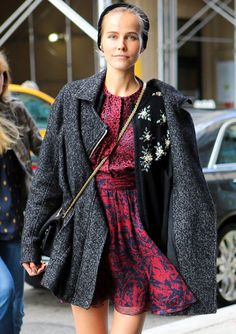 Isabel Lucas looking absolutely flawless. I love all her layering.