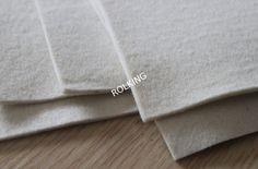 FIELTRO: tela hecha de lana o pelo aglomerado sin trama ni urdimbre.