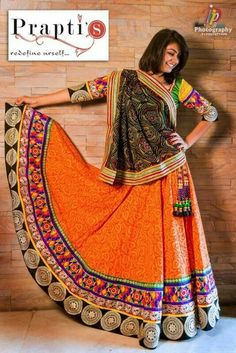 :-) Garba Dress, Navratri Dress, Choli Dress, Choli Designs, Saree Blouse Designs, Indian Skirt, Indian Dresses, Indian Wedding Outfits, Indian Outfits