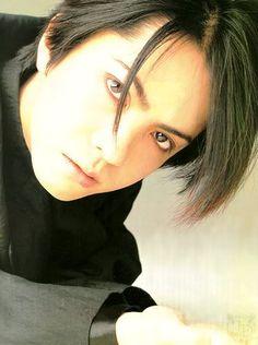 """Hideto Takarai aka Hyde of L'arc en Ciel Still lovin' L'arc en Ciel until today Dir En Grey, Gackt, King Of Music, Flower Boys, Visual Kei, Music Bands, Hard Rock, Rock Bands, My Idol"