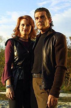 Antonio Banderas and Carla Gugino in Spy Kids Island of Lost Dreams Spy Kids Movie, Spy Kids 3, Movie Tv, Ginger Actresses, Superhero Duos, Dream Pictures, Carla Gugino, Young Actors, Dvd Blu Ray