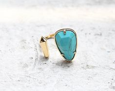 Teardrop Turquoise Stone Cuff Ring / Brass / Adjustable Size [WR0200]