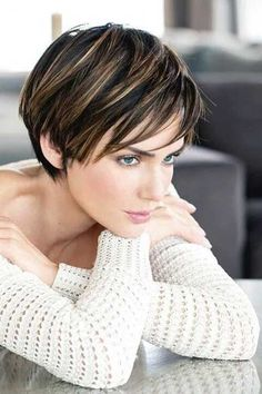 45 Stunning Pixie Haircut Ideas for This New Season Stylish Pixie Haircut; Super Muy Corto Pixie Cortes de pelo Y Colores de Pelo para Short Haircuts 2017, Cute Short Haircuts, Short Hairstyles For Women, Bob Hairstyles, Hairstyle Short, Hairstyle Ideas, Haircut Short, Pinterest Hairstyles, Haircut Bob
