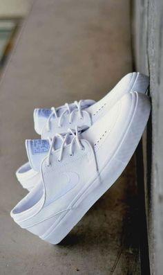 As 96 melhores imagens em Blue Sneakers | Sapatilhas azuis