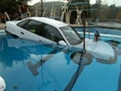 If You Ever Get Stuck In a Sinking Car, THIS Is What You MUST Do To Survive! - Daily Health Post