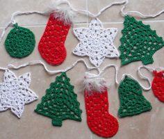 Crochet Bunting Pattern, Crochet Ornament Patterns, Crochet Garland, Crochet Snowflakes, Knitting Patterns, Free Christmas Crochet Patterns, Crochet Tree, Crochet Angels, Crochet Granny