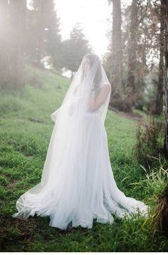 Ethereal Woodland Bridal Shoot, photo: Whiskers & Willow - www.whiskersandwillow.com