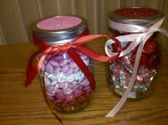 Cute, quick and easy Valentine's gift idea!  You can use any holiday M&M's to do this!