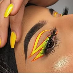Are you looking for ideas for your Halloween make-up? Browse around this site for unique Halloween makeup looks. Makeup Goals, Makeup Inspo, Makeup Art, Makeup Inspiration, Makeup On Fleek, Cute Makeup, Pretty Makeup, Amazing Makeup, Skin Makeup