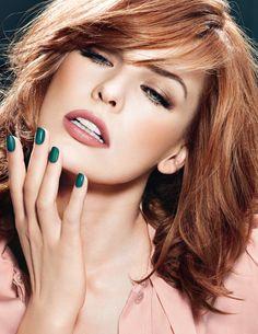 (actress close-up face girl green lips make-up milla jovovich redheads sexy woman) Milla Jovovich, Redhead Makeup, Hair Makeup, Makeup Eyes, Beauty Makeup, Glamour, Maybelline, L'oréal Paris, Celebrity Makeup