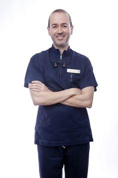 El Dr. Rafael Blanes es nuestro el director Médico de Clínica Pronova. Es especialista en Implantología Dental Avanzada.
