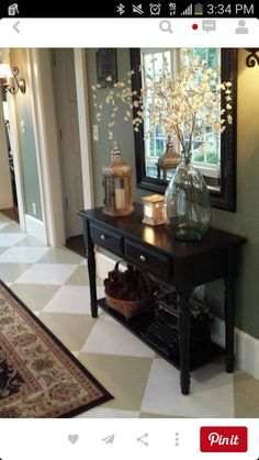 Check this, you can find inspiring Photos Best Entry table ideas. of entry table Decor and Mirror ideas as for Modern, Small, Round, Wedding and Christmas. Decoration Hall, Table Decorations, Entrance Table Decor, Sofa Table Decor, Hall Way Decor, Bench Decor, Wall Decor, Hallway Decorating, Interior Decorating