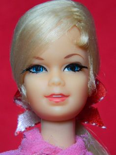 VINTAGE MOD STACEY BARBIE DOLL BLONDE LONG HAIR  w/ PINK SPARKLE OUTFIT