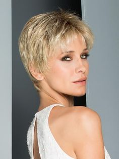Wigs Women - Aura Wig by Ellen Wille exudes sophistication and style. This timeless, short cut can be styled many ways and features a neckline that hugs the nape. Beige Blonde Hair, Blonde Hair Shades, Platinum Blonde, Short Pixie Haircuts, Short Hair Cuts, Short Hair Styles, Pixie Cuts, Synthetic Lace Front Wigs, Synthetic Wigs