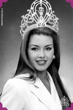 Alicia Machado Miss Universe 1996 Beautiful Inside And Out, Most Beautiful Women, Amazing Women, Miss Universe 1996, Types Of Body Shapes, Miss Mundo, Miss Venezuela, Pageant Crowns, Latin Women