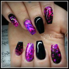 Black And Purple Nails, Nail Artist, Nail Ideas, Facebook, Beauty, Nail Designs, Beauty Illustration, Nail Art Ideas