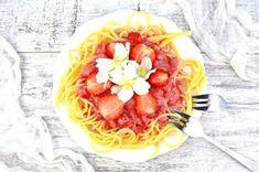 Makaron z truskawkami w stylu fit Ricotta, Cabbage, Spaghetti, Vegetables, Ethnic Recipes, Fitness, Food, Essen, Cabbages